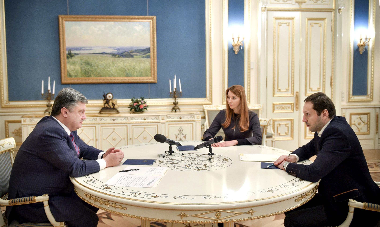 Петро Порошенко, Ольга Червакова та Юрій Стець. Фото: president.gov.ua