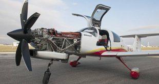 Samolot DA50 z silnikiem Motor Sicz AI-450 – Fot. Diamond Aircraft