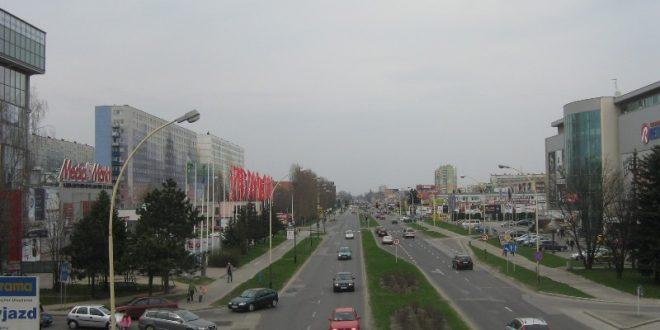 Автомобілі на дорогах Ряшева / Фото Ігоря Тимоця