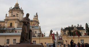 Пам'ятник Андрею Шептицькому у Львові. Фото: POLUKR.NET / Андрій Поліковський